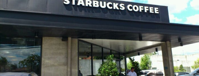 Starbucks is one of Jude 님이 좋아한 장소.