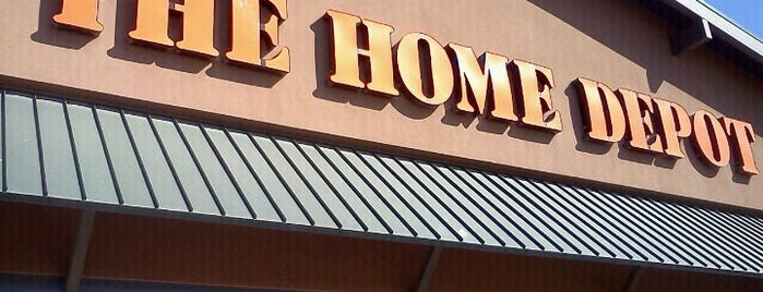 The Home Depot is one of Phil 님이 좋아한 장소.