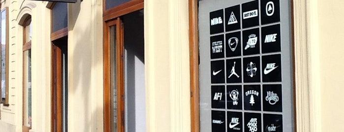 Nike is one of Veronika'nın Beğendiği Mekanlar.