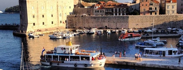 Gradska Luka (Old Port) is one of Croacia.