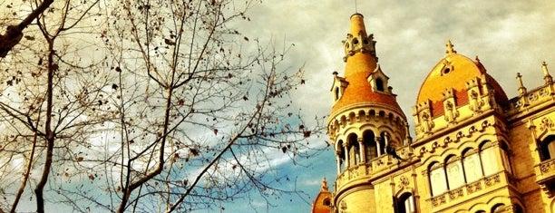 바르셀로나 is one of Capitales de provincia.