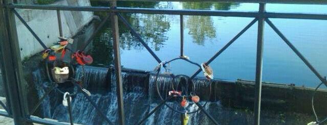 Мельничная плотина на реке Чурилихе is one of Места, где сбываются желания. Москва.