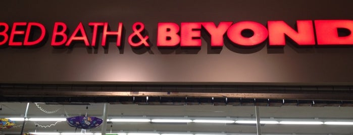 Bed Bath & Beyond is one of Tempat yang Disukai Karem.