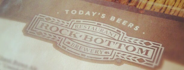 Rock Bottom Restaurant & Brewery is one of Minneapolis Brewing.