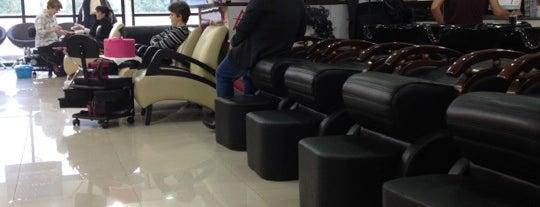 A3 Hair Studio is one of Locais curtidos por Rafael.