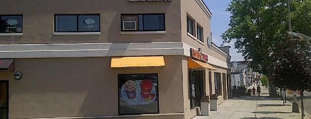 Dunkin' is one of สถานที่ที่ Camilo ถูกใจ.