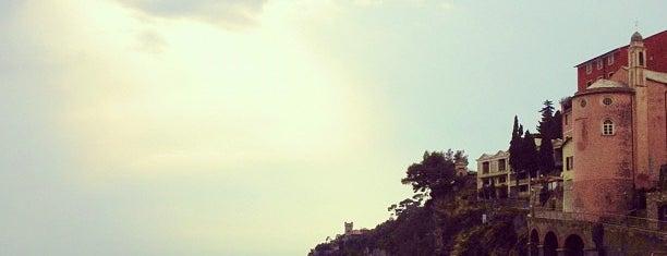 Spiaggia di Sori is one of √ Best Free-Beaches in Liguria.