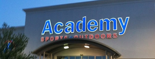 Academy Sports + Outdoors is one of Lugares favoritos de Layla.