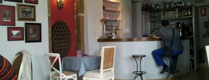 Café Tertulia is one of Orte, die Emma gefallen.