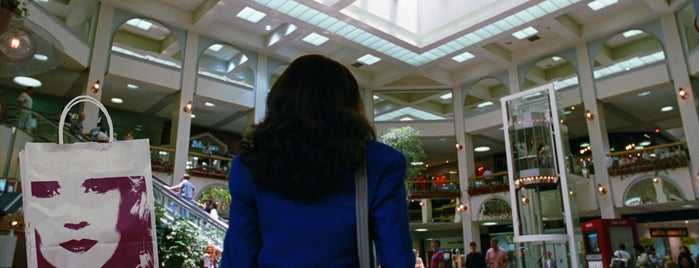 Del Amo Fashion Center is one of Jackie Brown Locations.