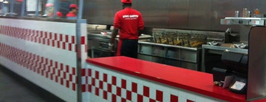 Five Guys is one of Orte, die Jorge gefallen.
