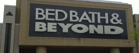 Bed Bath & Beyond is one of Locais curtidos por Christopher.