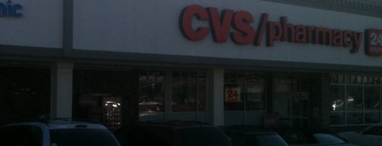 CVS pharmacy is one of Lugares favoritos de Christopher.