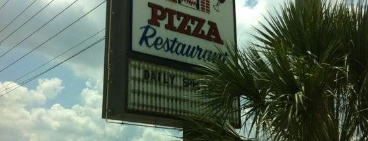 Stavros Pizza Restaurant is one of Lizzie'nin Kaydettiği Mekanlar.