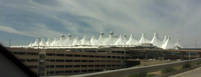 Aeropuerto Internacional de Denver (DEN) is one of Free WiFi Airports.
