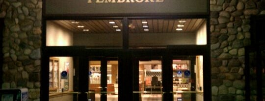 Pembroke Travel Plaza is one of Posti che sono piaciuti a Julie.