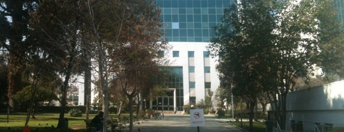 Hospital de Carabineros is one of Ingrid 님이 좋아한 장소.