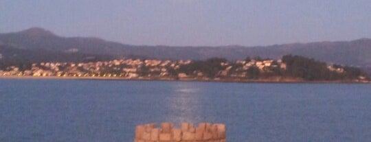 Porto De Baiona is one of Tempat yang Disukai Manu.