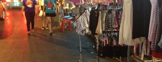 Saphanput Night Market is one of Posti che sono piaciuti a Irina.