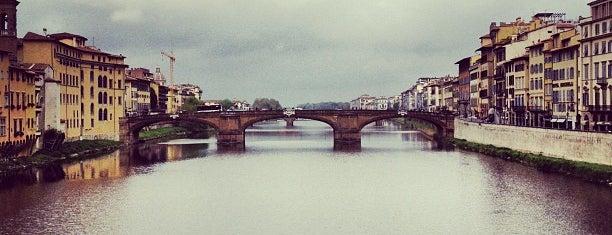 Ponte Vecchio is one of 101 posti da vedere a Firenze prima di morire.