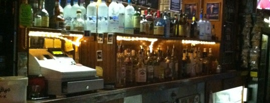 Shifty's Bar & Grill is one of Syracuse.
