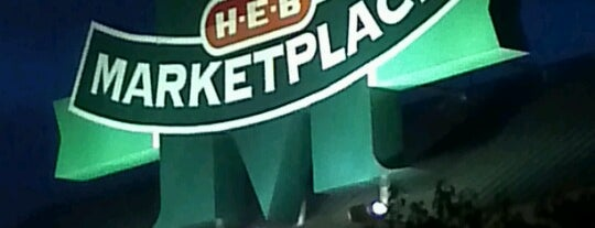 H-E-B is one of Locais curtidos por Kim.