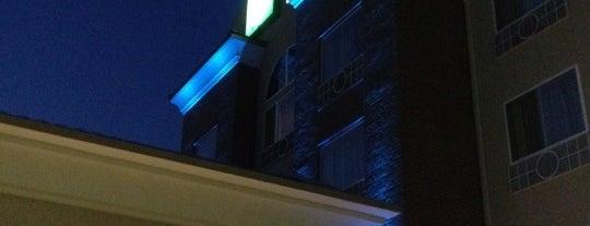 Holiday Inn Express & Suites Salina is one of Tempat yang Disukai Noemi.
