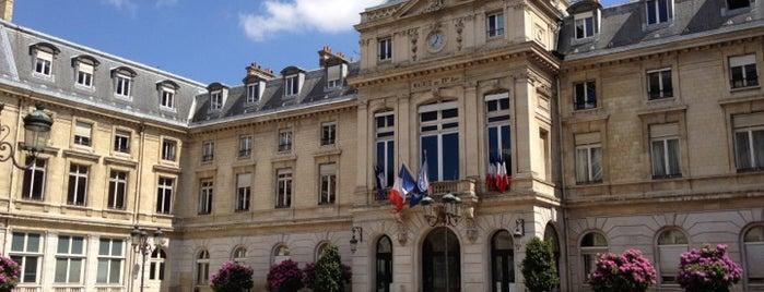Mairie du 15e arrondissement is one of Jas' favorite urban sites.