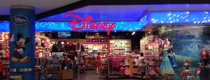 Disney Store is one of Posti che sono piaciuti a Luis.