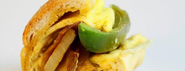 Ferro's Italian Sandwiches is one of Kate'nin Kaydettiği Mekanlar.