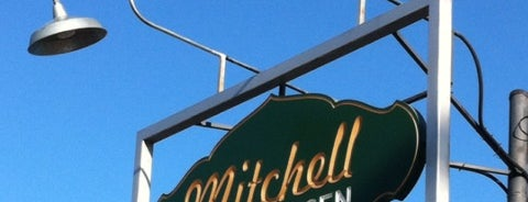 Mitchell Deli is one of Lieux sauvegardés par Brady.