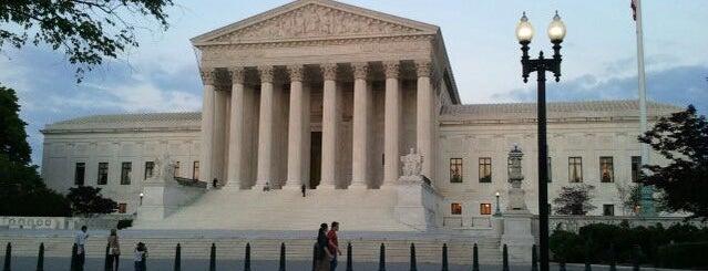 Верховный Суд Соединенных Штатов Америки is one of A Not So Tourist Guide to DC.