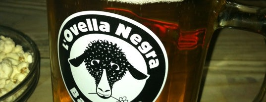 La Oveja Negra is one of Barcelona Bar Crawl you can't miss.
