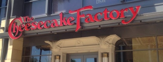 The Cheesecake Factory is one of Posti che sono piaciuti a Thomas.