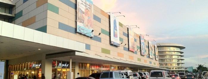 SM City Naga is one of Orte, die Cristina gefallen.