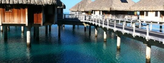 Conrad Bora Bora Nui is one of Posti salvati di Caroline.