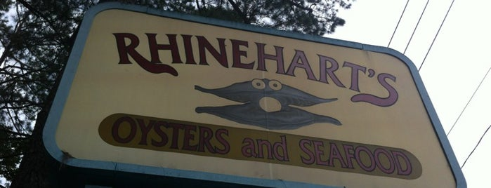 Rhinehart's Oyster Bar is one of Gespeicherte Orte von Dominic.