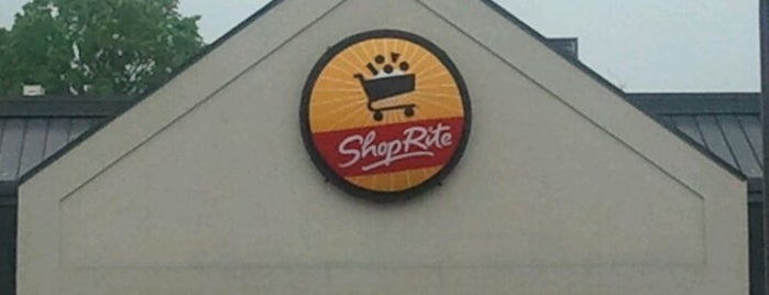 ShopRite is one of Catieさんのお気に入りスポット.