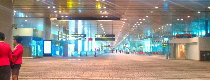 Aeropuerto Internacional de Singapur Changi (SIN) is one of My Singapore Trip'12.