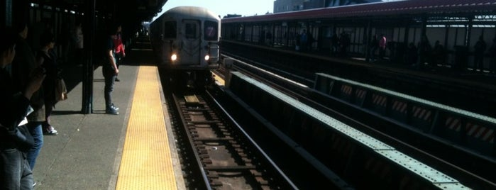 MTA Subway - 74th St/Roosevelt Ave/Jackson Hts (7/E/F/M/R) is one of IRT Flushing Line (7) <7>.