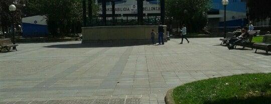 Plaza de la Casilla is one of Louise'nin Beğendiği Mekanlar.