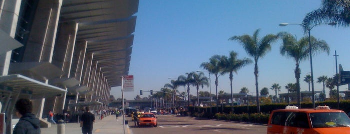 Aeroporto internazionale di San Diego (SAN) is one of Airports.