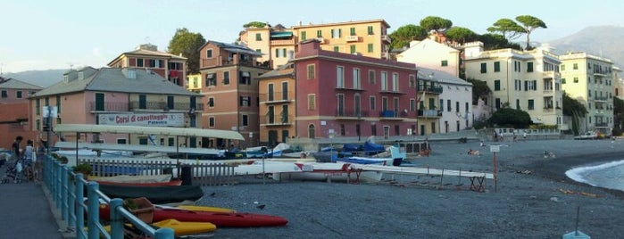 Spiaggia Vernazzola is one of Genova.