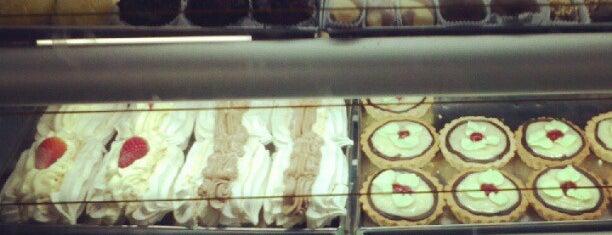 Confeitaria das Famílias is one of Curitiba Bon Vivant & Gourmet.