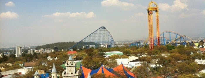 Six Flags México is one of Weekends.