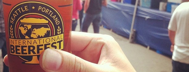 Portland International Beerfest is one of Posti che sono piaciuti a Andrew.