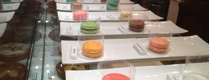12 Centimeter Cake is one of Tempat yang Disimpan Neesa.