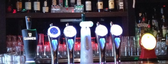 Saint Andrews G&R Pub is one of restau à tester.