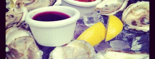 Essex Restaurant is one of $1 Oyster Happy Hour NYC.