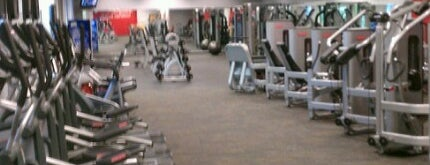 Hy-Vee Fitness is one of Stacyさんのお気に入りスポット.